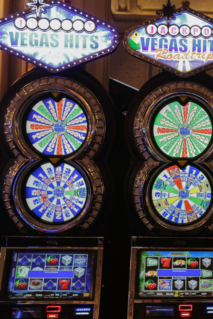 Gambling Round Display